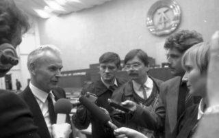 Hans Modrow wurde am 13. November 1989 zum neuen Ministerpräsidenten der DDR gewählt - zum letzten Regierungschef aus den Reihen der SED.