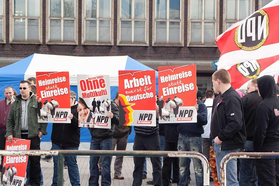 Das NPD-Verbot scheiterte 2003 aus formalen Gründen vor dem Bundesverfassungsgericht. Seitdem wird über einen neuen Verbotsantrag diskutiert.