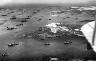 Die US-Flotte in der Bucht von Guantanamu während eines Wintermanövers im Jahr 1927.
