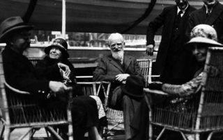 Sozialistische Vordenker und Agitatoren: Sidney Webb (links), Bernard Shaw (Mitte) und Beatrice Webb (rechts), die führenden Köpfe der Fabian Society in ihren Anfangsjahren.
